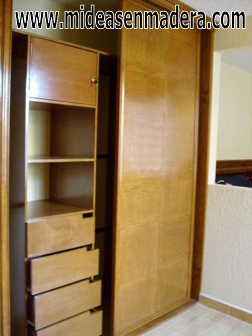 Fotos de closets y vestidores de madera muebles e ideas for Closets y muebles